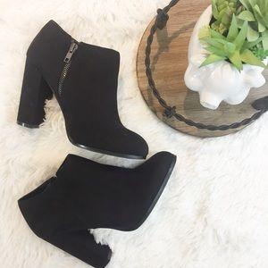 Mix No. 6 Feriniel black booties size 8
